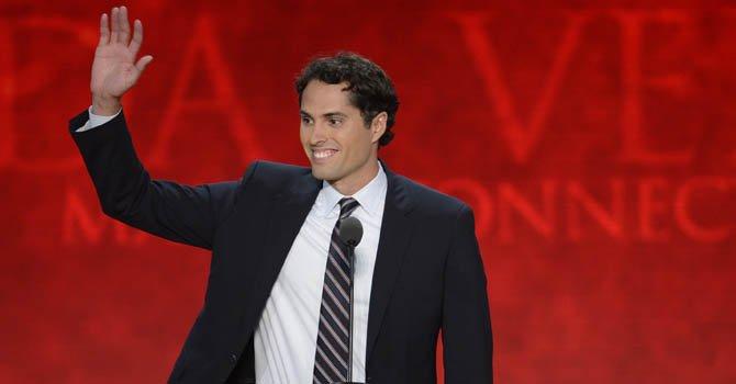 """""""Mi padre ayudará a los hispanos"""", dice Craig Romney"""