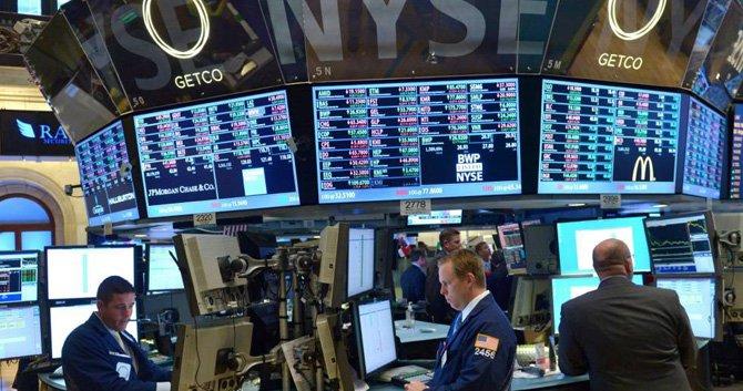 La economía de EU se recupera lentamente tras una profunda recesión