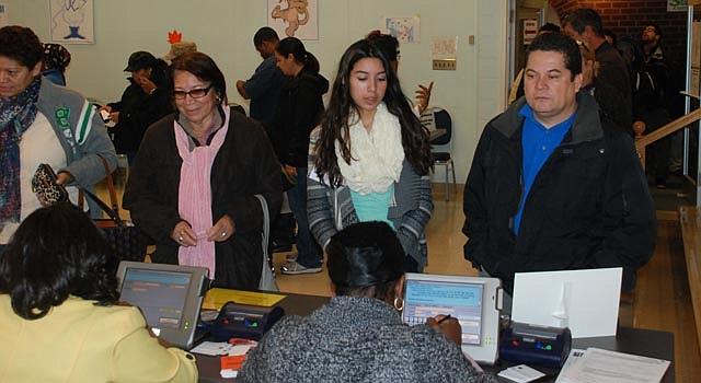 Votantes en el Holiday Park Senior Center de Wheaton, Maryland, el martes 6 de noviembre.