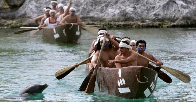 Indígenas mayas en una ceremonia en el Caribe mexicano.
