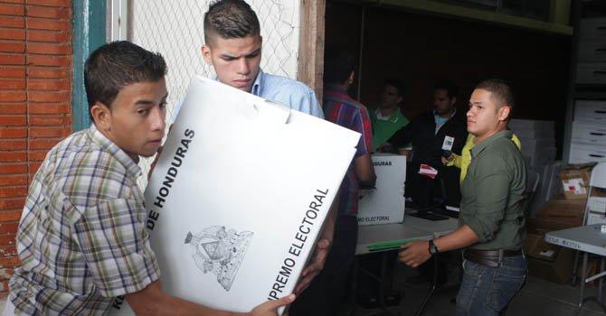 Honduras: distribuyen el material para elecciones primarias