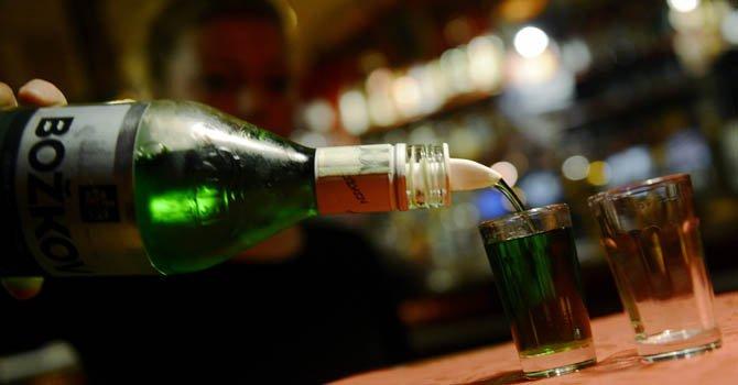 Calorías en alcohol inciden en obesidad