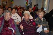 Abuelitos del Senior Vida Centers.