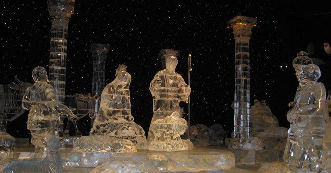 Nacimiento hecho en hielo en la obra ICE de 2011 en el National Harbor.