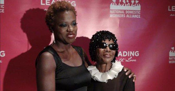 Las actrices Viola Davis (izq.) y Cicely Tyson.