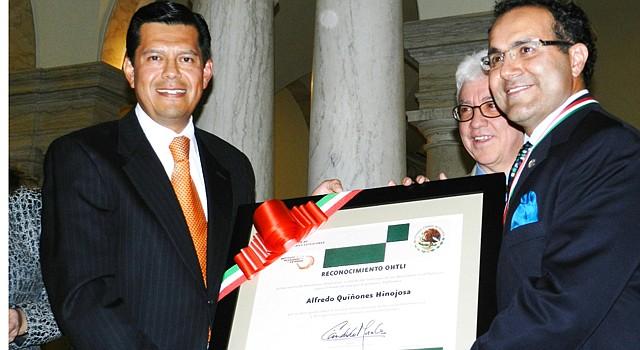 Honran La Trayectoria De Un Sabio El Tiempo Latino