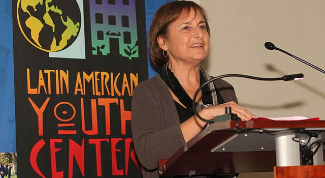 Lori Kaplan, directora de Latin American Youth Center.