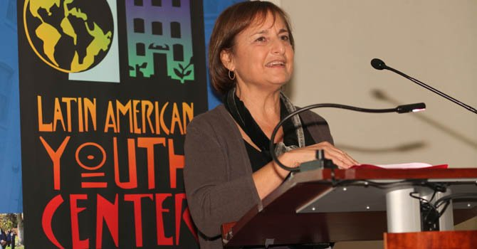 Lori Kaplan, directora de Latin American Youth Center.