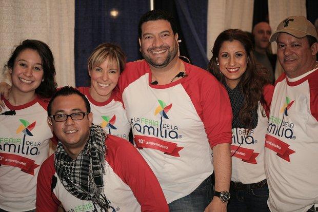 Participantes en la Feria de la Familia de Telemundo.