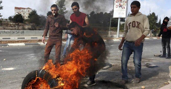 Más civiles palestinos mueren en ofensiva israelí