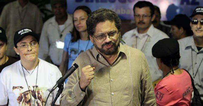 """""""Iván Márquez"""", el número dos de las FARC y jefe de los negociadores de la guerrilla en el diálogo con el Gobierno de Colombia, se dispone a hacer declaraciones a la prensa el miércoles 21 de noviembre."""