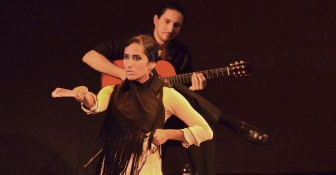 Karen Lugo se presentó con éxito en el Festival Flamenco del Teatro Gala.