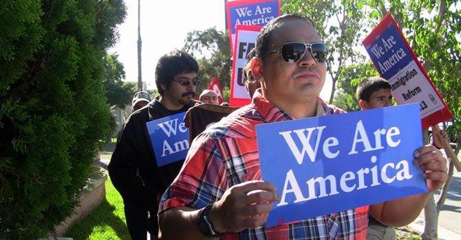 Los inmigrantes no podrían permanecer durante meses en centros de detenciones.