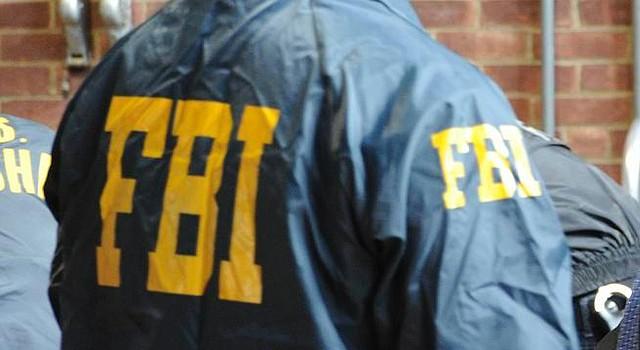 Agentes del FBI en un operativo.