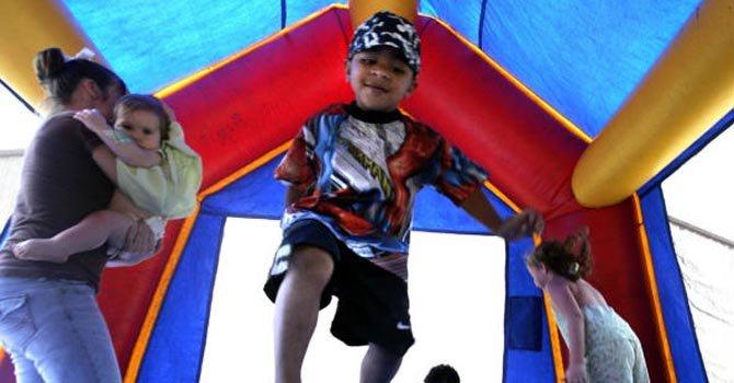 Castillos inflables, riesgosos para los niños