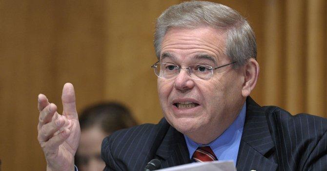Bob Menéndez es el único senador en el comité de 31.