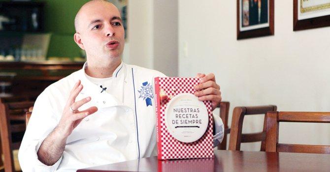 """AUTOR. Hugo Soca estudio en Francia y expresa en """"Nuestras recetas de siempre"""" el amor por la cocina."""