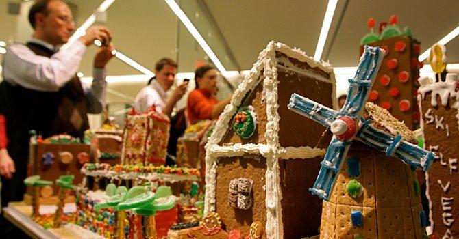 CIUDAD. Los arquitectos Led y David Schwart crearon esta ciudad con pan de jengibre en 2011. Se exhibió en la avenida Connecticut, en DC.