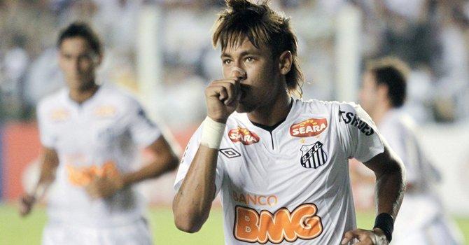 El delantero brasileño Neymar dejaría al Santos para marcharse al Real Madrid o el Barcelona.