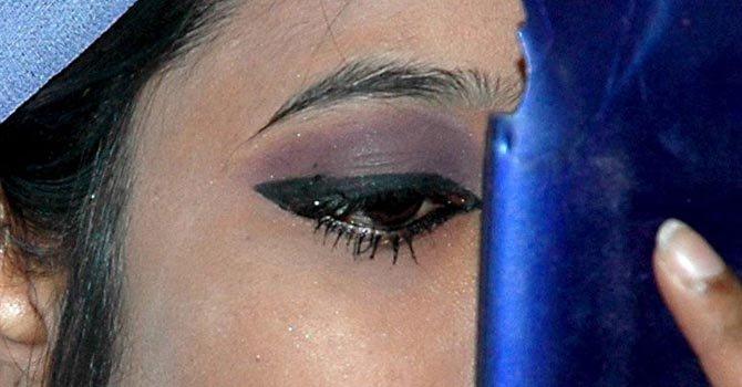El evento para alertar sobre cosméticos de riesgo fue organizado por la Universidad de California en Los Ángeles.