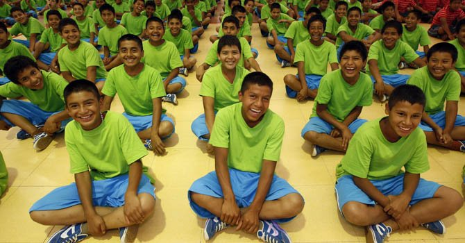 El programa, que fue fundado en 2007, hasta ahora ha sido implementado en 19 estados mexicanos y ha beneficiado a más de 150.000 personas entre niños, padres y docentes.