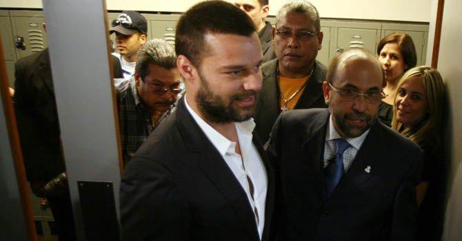 """El cantante puertorriqueño Ricky Martin en  la presentación del estudio """"La trata en Puerto Rico: un reto a la invisibilidad"""" en la sede de la Universidad de Puerto Rico en San Juan."""