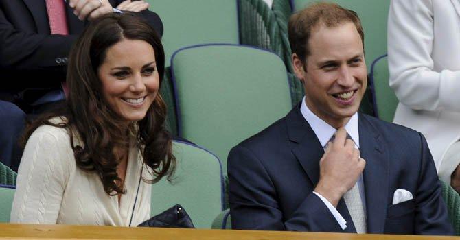 El príncipe William y su esposa Kate esperan a su primogénito.