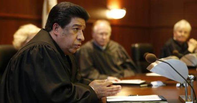 Illinois elige primer latino en la Corte Apelaciones