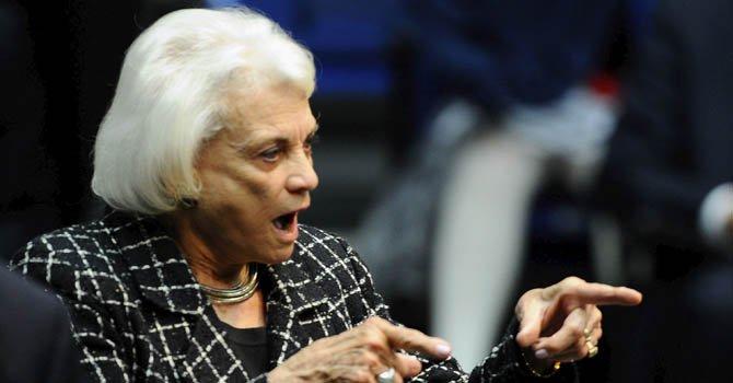 La ex miembro de Tribunal Supremo Sandra Day O'Connor dijo que este plan representa un esfuerzo histórico.