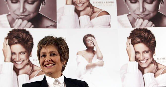 Daniela Romo lanza disco por sus 40 años de carrera