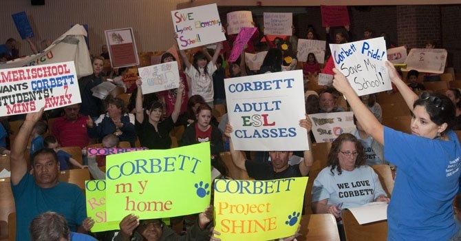 Arizona: Más de una docena de escuelas en peligro