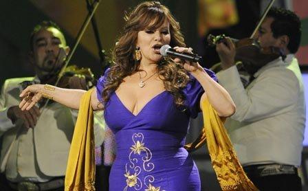 Jenni Rivera tenía 43 años y una vida marcada por el éxito musical, pero también por los escándalos.