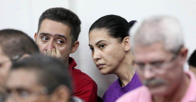 Raquel Alatorre Correa (centro), identificada como la líder del grupo de los 18 mexicanos que se hicieron pasar por periodistas de Televisa, y a los que se les incautó en Nicaragua $9,2 millones.