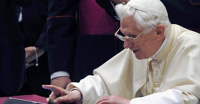 El Papa Benedicto XVI se estrena en Twitter
