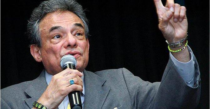 El cantante mexicano José José.