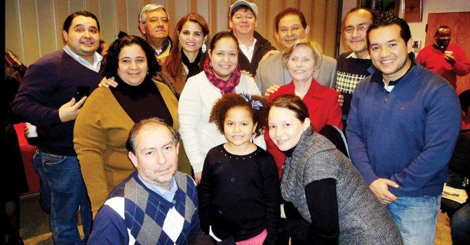 JUNTOS. Miembros de la comunidad hondureña en diciembre de 2011.