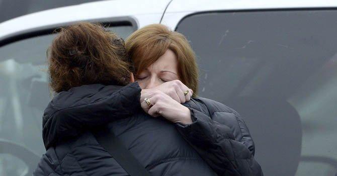 Newtown entierra a más víctimas de masacre