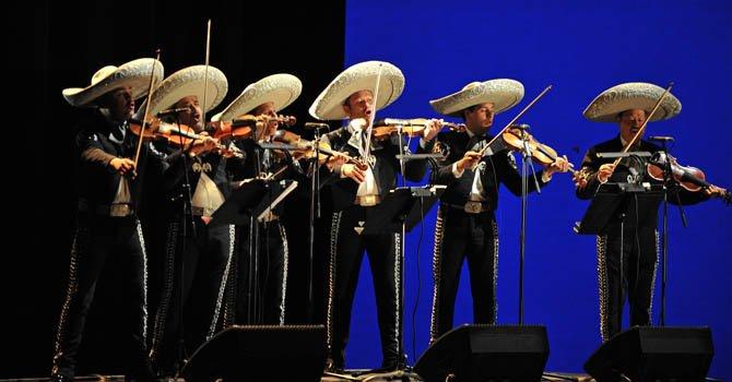 Promueven una ópera bilingüe con mariachi