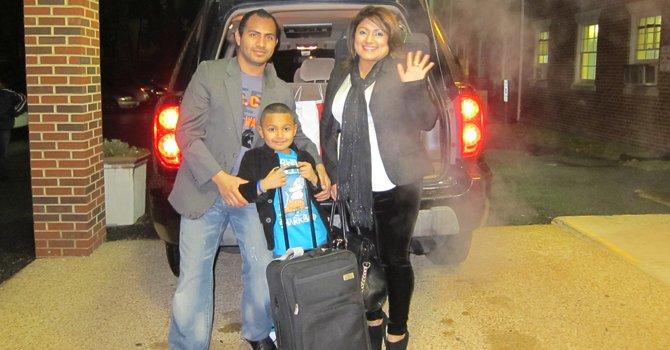 Danny y Karen Palomo, con su hijo Matthew, de 8 años, partieron a Los Ángeles, California.