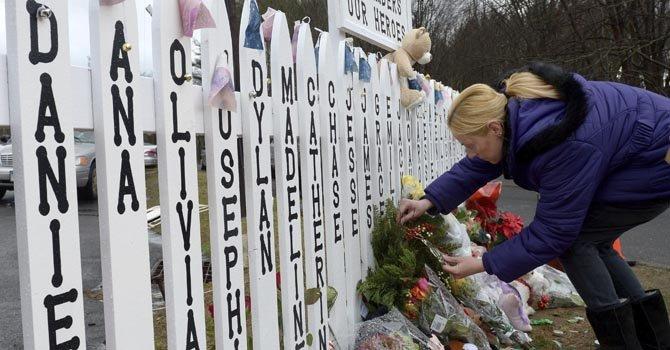 Adiós a tres últimas víctimas de masacre de Newtown