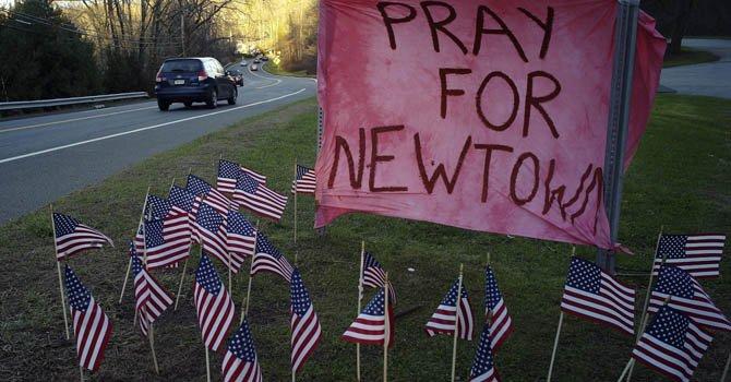 Newtown vivió una Navidad en duelo colectivo