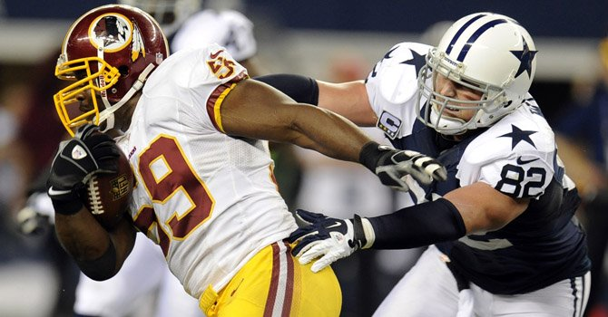 Los Redskins de Washington y los Cowboys de Dallas juegan un partido decisivo en el FedEx Field de Landover, MD.