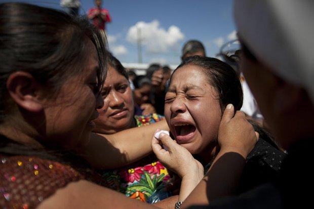 El 7 de noviembre un terremoto de 7,2 sacudió Guatemala matando a 48 personas, hiriendo a más de 200 y afectando a 1,2 millones. El Gobierno declaró estado de calamidad.