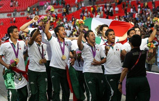 México conquistó su primera medalla de oro en fútbol olímpico al derrotar a Brasil en la final de los Juegos de Londres 2012, que se realizaron del 27 de julio al 12 de agosto.