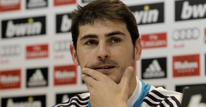 El portero del Real Madrid, Iker Casillas, durante la rueda de prensa que ofreció el martes 1 de enero tras entrenamiento que el club realizó en la Ciudad Deportiva de Valdebebas.