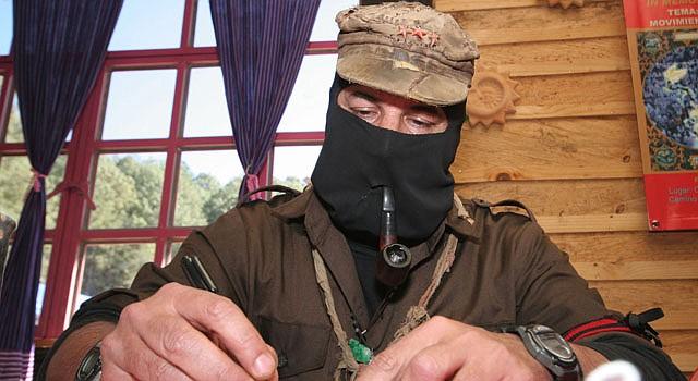"""El """"subcomandante Marcos"""" dio a conocer una carta en la que anticipa que en fechas próximas el Ejército Zapatista de Liberación Nacional (EZLN) dará a conocer una serie de iniciativas """"de carácter civil y pacífico""""."""