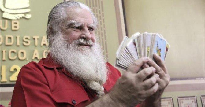 """Antonio V. Alba, el Brujo Mayor,dijo que el presidente venezolano, Hugo Chávez asumirá su nuevo mandato el 10 de enero por """"vanidad"""" y """"deseo de poder"""", pero señaló que morirá en tres meses."""