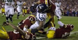 Los Seahawks se impusieron y Griffin III terminó lesionado.