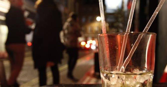 Una de cada 8 mujeres bebe demasiado