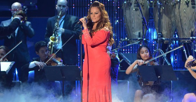 Jenni Rivera sigue líder en los Billboard